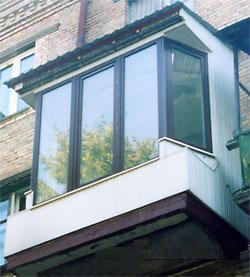 Французский балкон - остекление балконов под ключ.